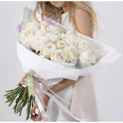 15 пионовидных роз Вайт О Хара